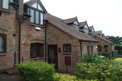 2 Bedrooms Property for rent in Old Lodge Drive, Woodthorpe, NG5 3FQ