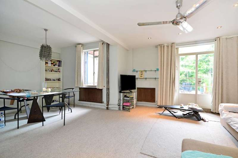 2 Bedrooms Flat for sale in Southampton Row, Bloomsbury, WC1B