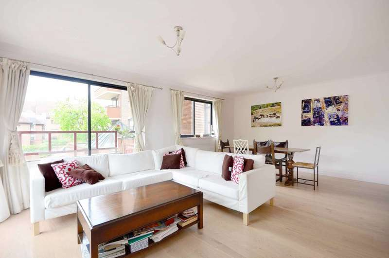 2 Bedrooms Flat for sale in Windsor Way, Kensington, W14