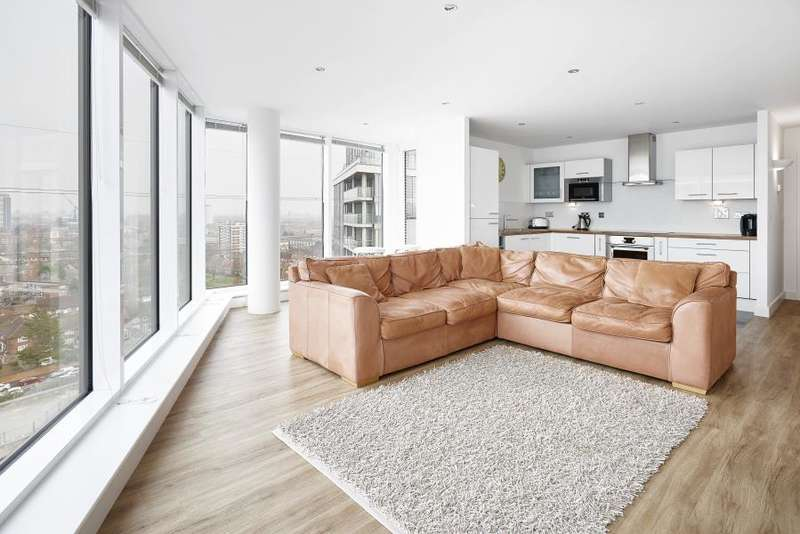 2 Bedrooms Apartment Flat for sale in Alaska Apartments, Royal Victoria, E16