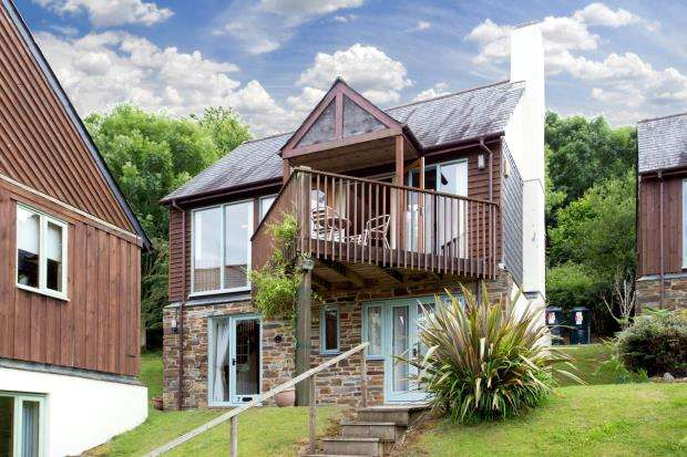3 Bedrooms Detached House for sale in Oakridge, St. Mellion, Saltash, Cornwall
