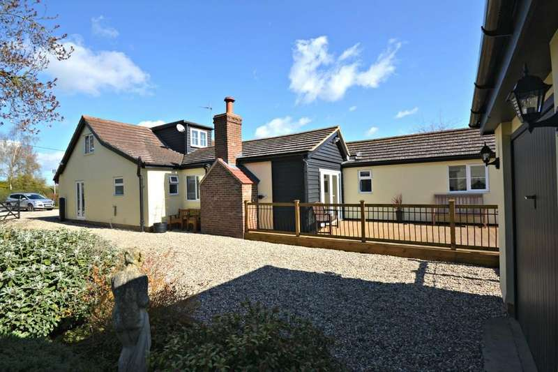 5 Bedrooms Barn Conversion Character Property for sale in Daisy Cottage, Wicken Road, Clavering, Saffron Walden, Essex, CB11 4QT