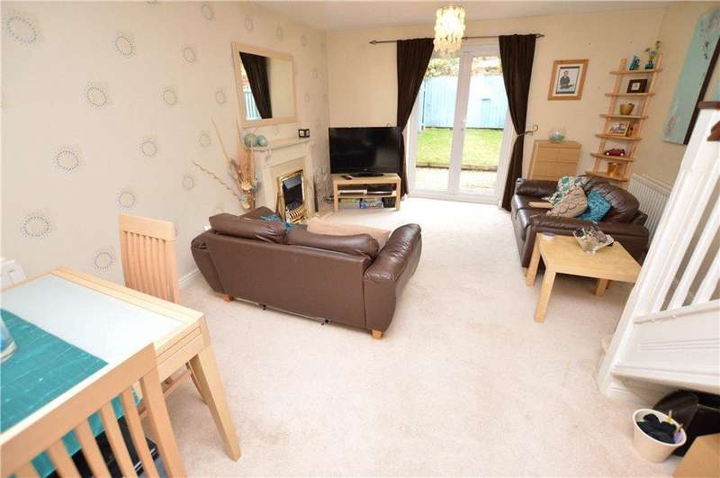 2 Bedrooms Town House for sale in Oakham Way, Leeds, West Yorkshire