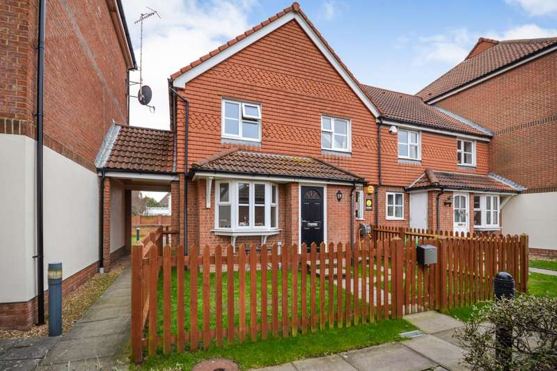 2 Bedrooms House for sale in Falmouth Close, Eastbourne, BN23