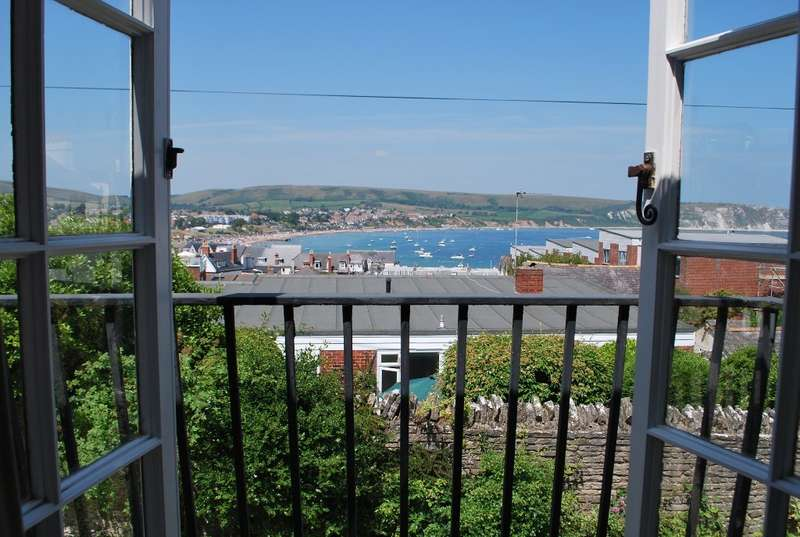3 Bedrooms Semi Detached House for sale in Swanage
