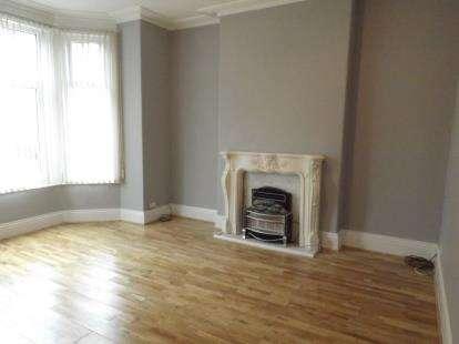 2 Bedrooms Flat for sale in Llewelyn Road, Colwyn Bay, Conwy, LL29