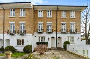 4 Bedrooms Terraced House for sale in Courtenay Avenue, Sutton, Surrey, Greater London