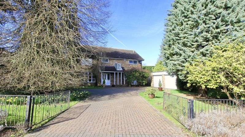 4 Bedrooms Detached House for sale in Rook Wood Way, Great Missenden