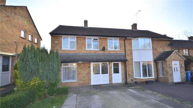 3 Bedrooms Semi Detached House for sale in Ralphs Ride, Bracknell, Berkshire