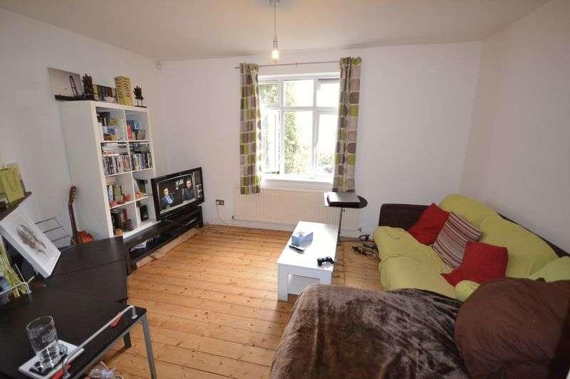 3 Bedrooms Terraced House for sale in Winns Avenue, London