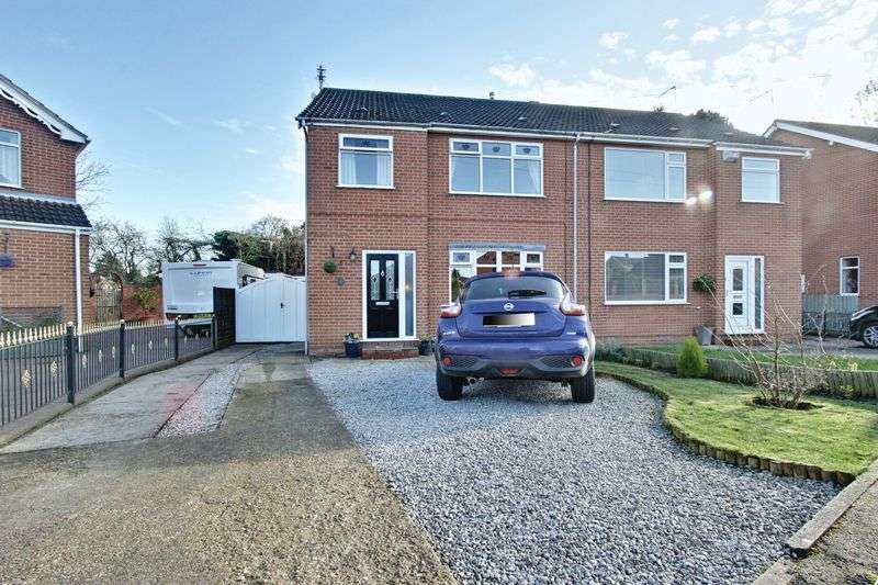 3 Bedrooms Semi Detached House for sale in Churchill Avenue, Cottingham
