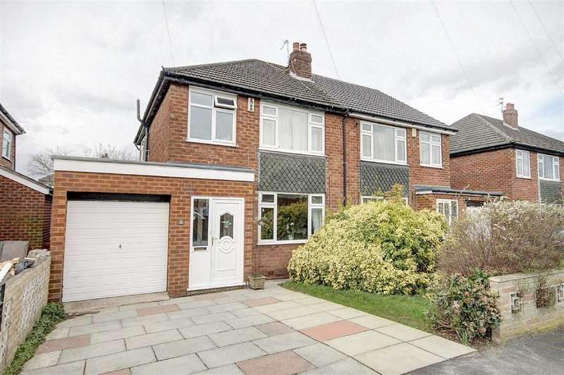 3 Bedrooms Semi Detached House for sale in Wentworth Avenue, Timperley, Cheshire