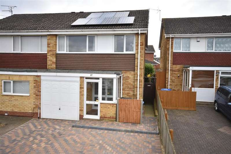 3 Bedrooms Semi Detached House for sale in St Johns Road
