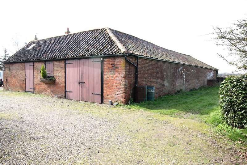 3 Bedrooms Barn Conversion Character Property for sale in East Ruston