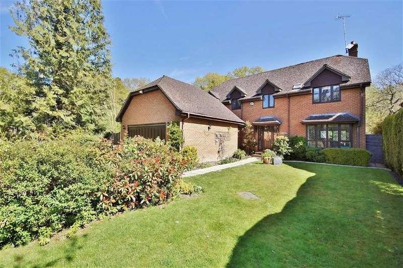 4 Bedrooms Detached House for sale in Leatherhead Road, Oxshott, Surrey, KT22