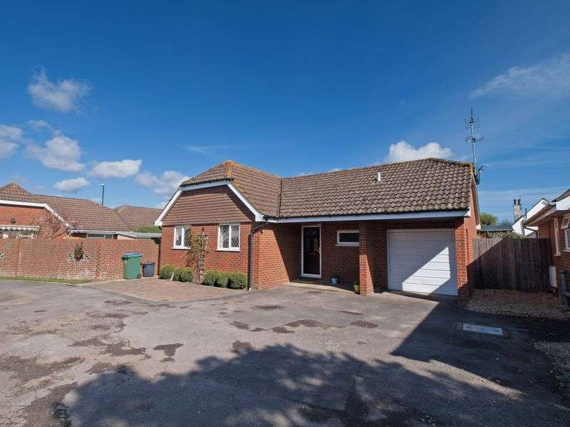 2 Bedrooms Detached Bungalow for sale in Felpham, West Sussex