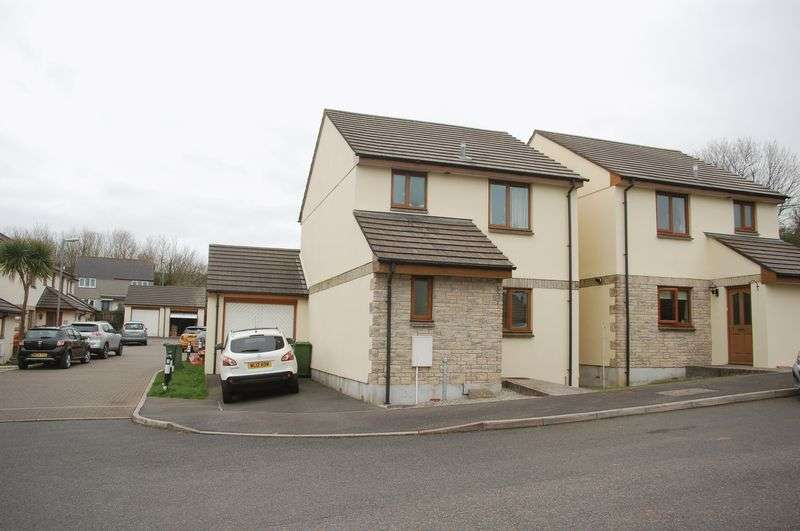 3 Bedrooms Detached House for sale in
