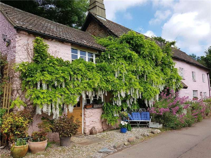4 Bedrooms Cottage House for sale in Port Hill House Barnacle Cottage, 102 Stoke Gabriel Rd, Galmpton, Devon