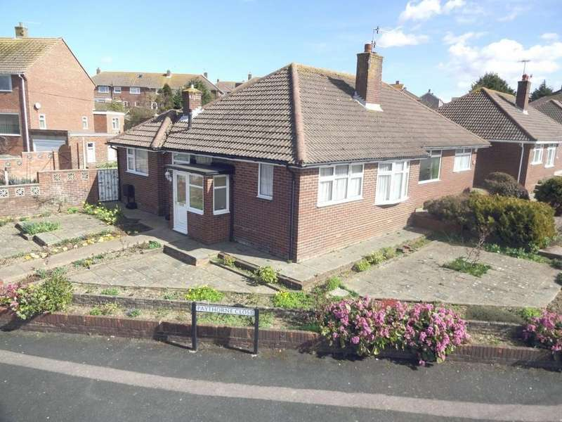 2 Bedrooms Semi Detached Bungalow for sale in Holmbush Way, Southwick