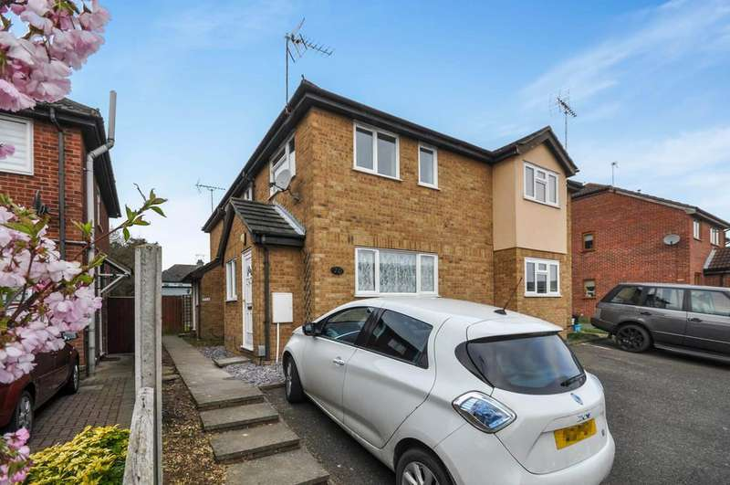 2 Bedrooms Mews House for sale in Adelaide Drive, Colchester