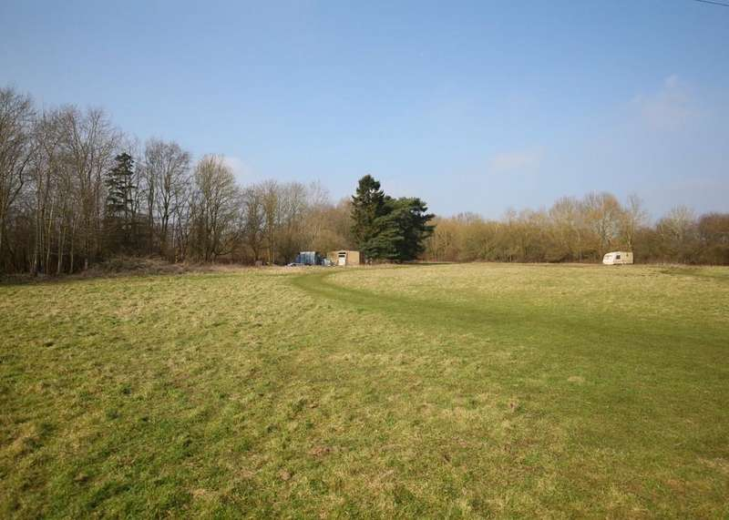 3 Bedrooms Cottage House for sale in Woodlands Road, Raydon, Suffolk