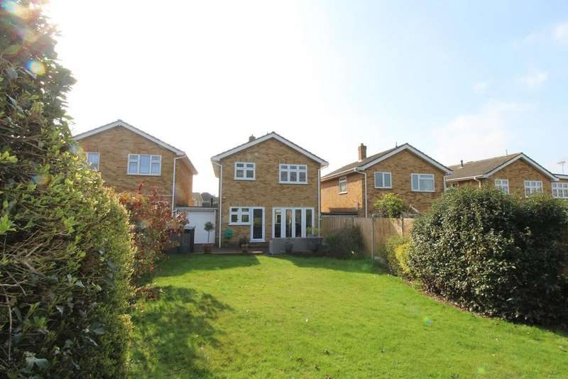 3 Bedrooms Detached House for sale in Chipperfield Close, Upminster, Essex, RM14