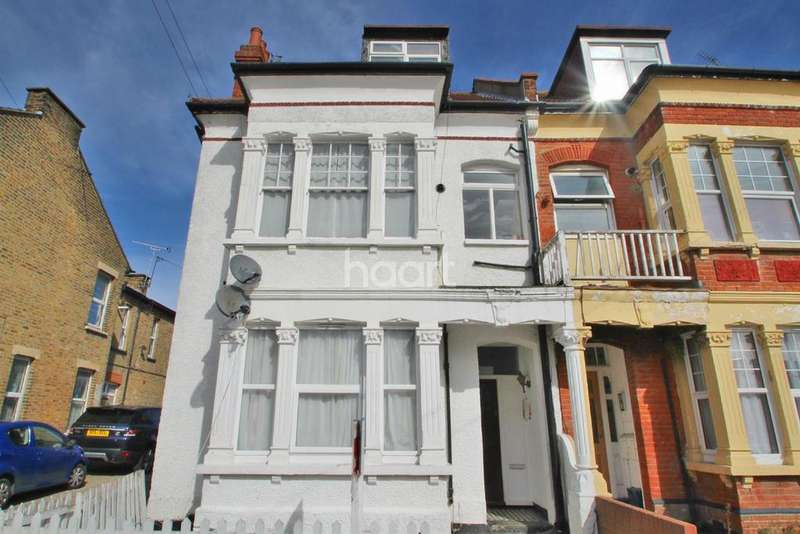 1 Bedroom Flat for sale in Ditton Court Road