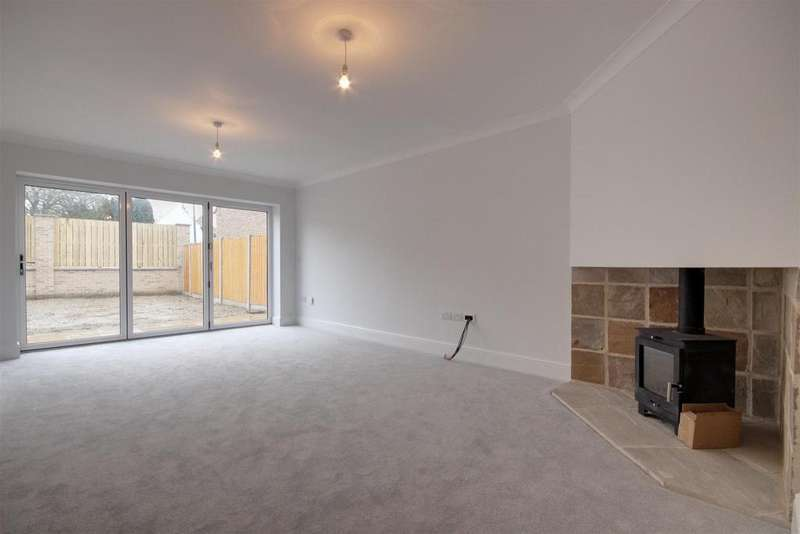5 Bedrooms Detached House for sale in Eastgate, North Newbald