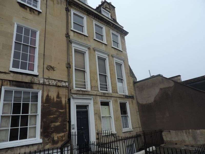 1 Bedroom Flat for sale in Walcot Parade, Bath