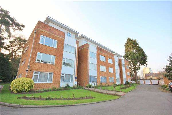 2 Bedrooms Apartment Flat for sale in Conifers, 1 The Avenue, Poole