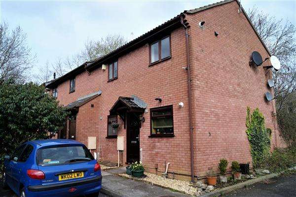1 Bedroom Apartment Flat for sale in Berkeley Green Road, Greenbank, Bristol