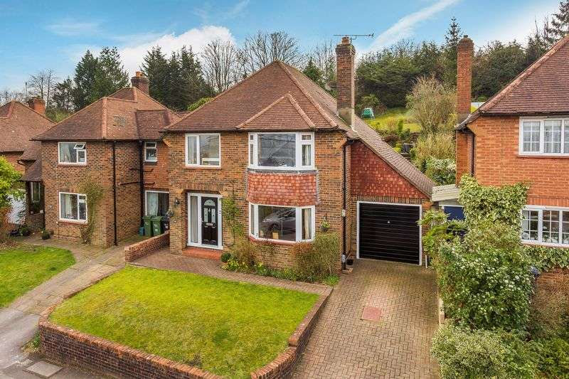 3 Bedrooms Detached House for sale in Guildford
