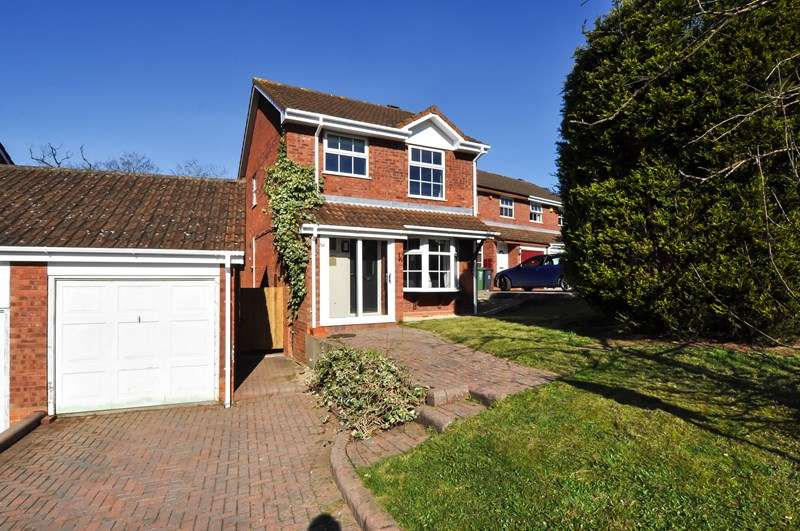 3 Bedrooms Detached House for sale in Mercot Close, Oakenshaw South, Redditch