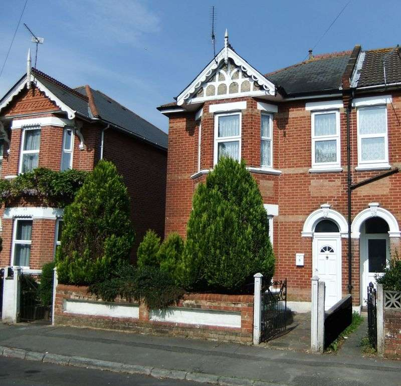 6 Bedrooms Semi Detached House for rent in Fortescue Road, Bournemouth