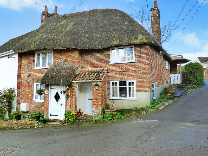 3 Bedrooms Cottage House for sale in Bury Lane, Westbury