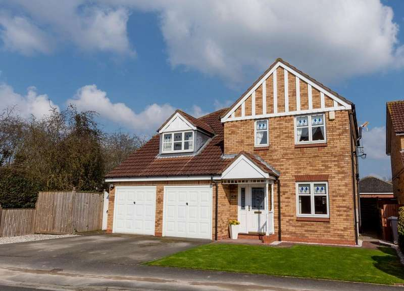 4 Bedrooms Detached House for sale in Whistler Close, Copmanthorpe, York