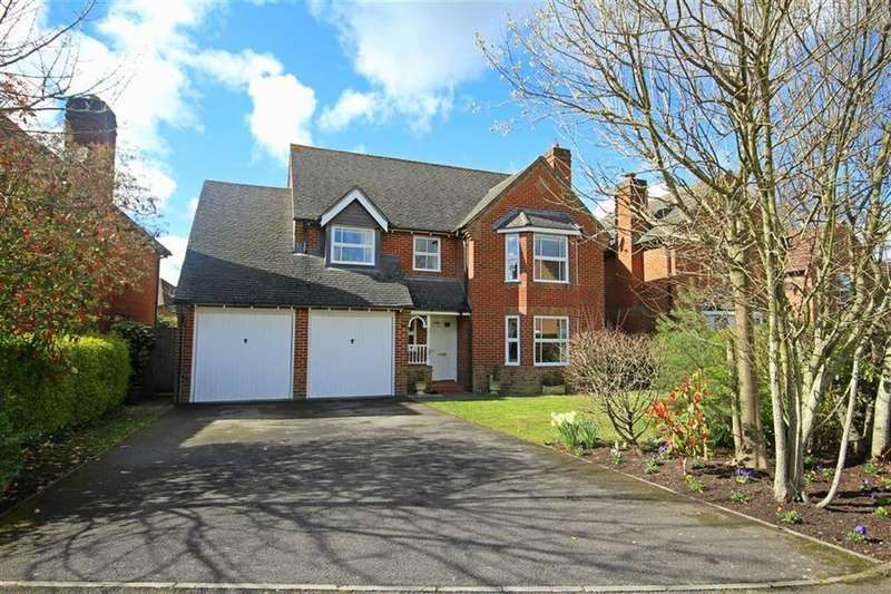 4 Bedrooms Detached House for sale in St Cleeve Way, Ferndown, Dorset