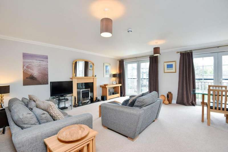 3 Bedrooms Flat for sale in Lawn Road, Beckenham, BR3