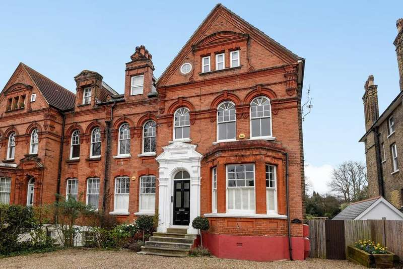 3 Bedrooms Flat for sale in Shortlands Road, Bromley, BR2