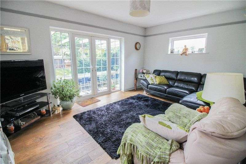 4 Bedrooms Property for sale in Priestwood, Bracknell