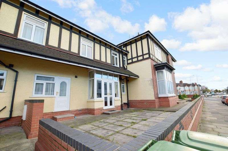 7 Bedrooms House for sale in Isaacs Hill, Cleethorpes, Lincolnshire DN35