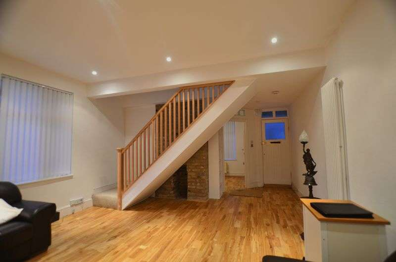 2 Bedrooms Flat for sale in Harrington Hill, Clapton E5