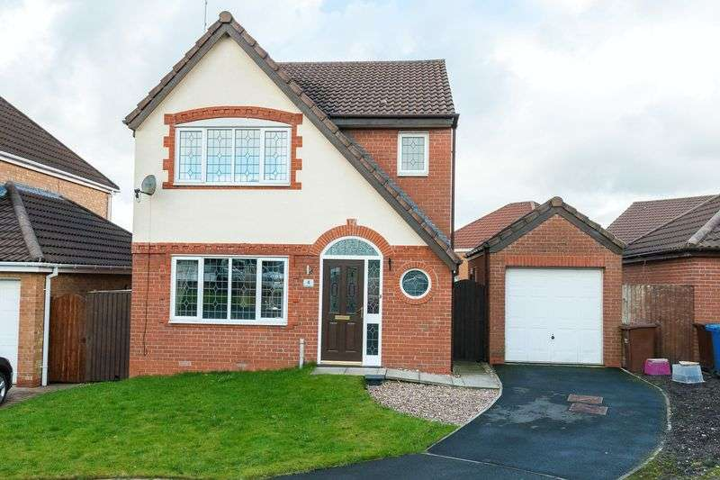 3 Bedrooms Detached House for sale in Dean Wood Close, Chorley