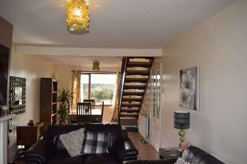 3 Bedrooms Semi Detached Bungalow for sale in Fairway, Milnrow