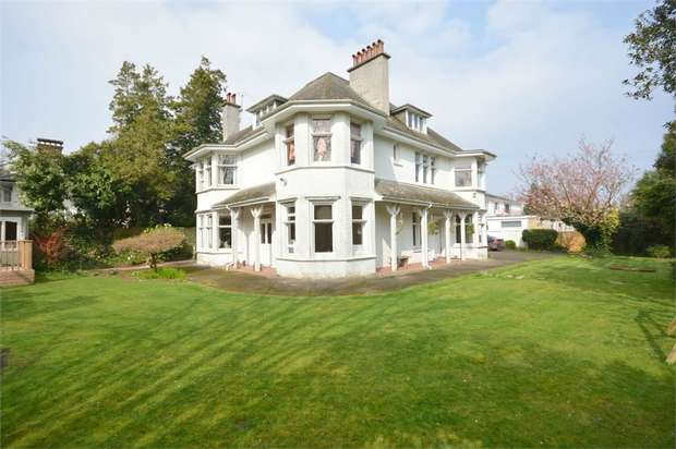 7 Bedrooms Detached House for sale in Dunbar Road, Talbot Woods, Bournemounth