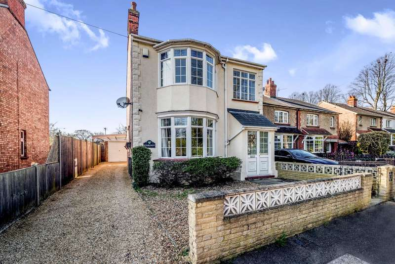 3 Bedrooms Detached House for sale in Green Lane, Clapham, BEDFORD, MK41