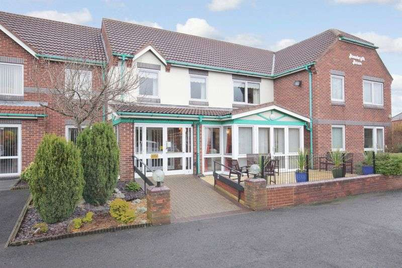2 Bedrooms Retirement Property for sale in Homebryth House, Sedgefield, TS21 3BW