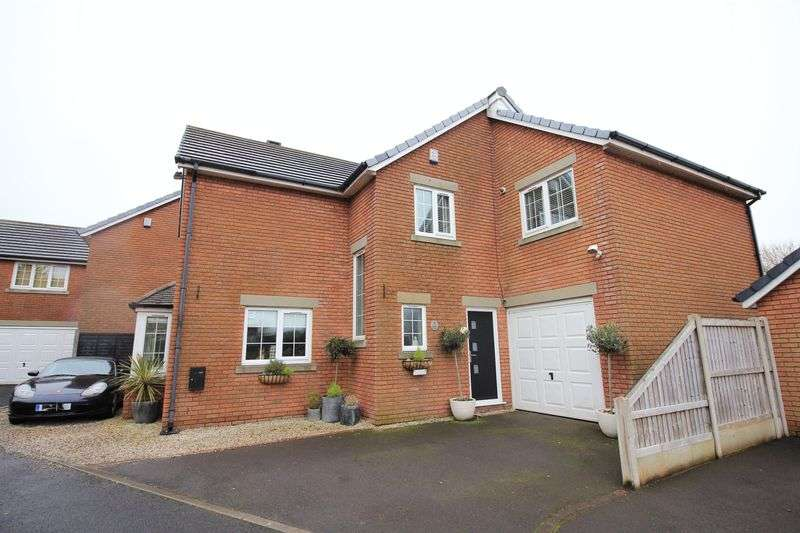 4 Bedrooms Detached House for sale in 7 Furlong Green, Thornton-Cleveleys, Lancs FY5 5PJ