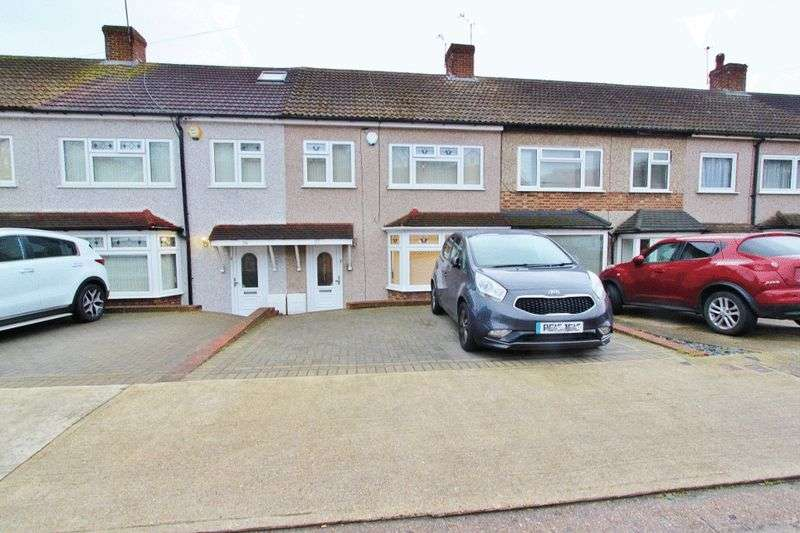 3 Bedrooms Terraced House for sale in Ashvale Gardens, Collier Row, RM5