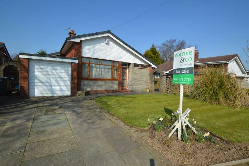 3 Bedrooms Detached Bungalow for sale in Cunningham Drive, Unsworth, Bury, BL9